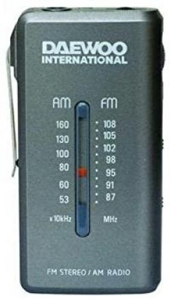 RADIO ANALÓGICA COMPACTA CON AURICULARES INCLUIDOS